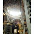 バチカンのサンピエトロ大聖堂♡並んだ甲斐がありました😌 神秘的で不思議な雰囲気でした。  #バチカン #サンピエトロ大聖堂