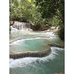 ラオス ルアンパバーン クァンシーの滝 加工なし。 エメラルドグリーンで、とても神秘的です。滝の写真も他に載せてます。