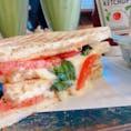 #サンドイッチ #ランチ #モーニング #朝食 #カフェ  #東京 #原宿   お洒落な落ち着いた雰囲気のカフェです。 ゆっくりできました(^^)  店↓ #ポタメルト #POTAMELT