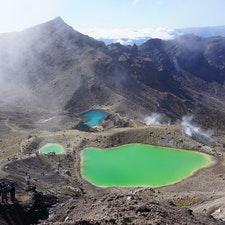 ニュージーランド トンガリロ 加工なしの自然な色 タイミングが良ければ綺麗にみれる! 初心者でもいけるレベルの登山⛰
