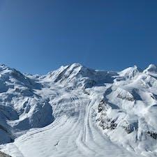 ツェルマット、スイス🇨🇭  ゴルナーグラート展望台からの景色② ゴルナー氷河❄️