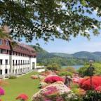 箱根 山のホテル  ツツジ満開です