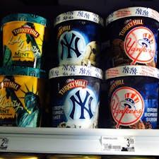 New York / Manhattan  マンハッタンのスーパーマーケットで見つけた、パケ買いしたくなるアイスクリーム♪ #manhattan  #newyorkcity #ニューヨーク旅行 #ilovenewyork