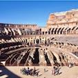 #コロッセオ #ローマ #イタリア 2017年2月  階ごとに1周ずつ、たっぷり探索🚶♂️🚶♀️  入り口や階がたくさんあるのは身分地位で観衆の席を 区分するためで地下は猛獣の訓練に使われたそうです🐗