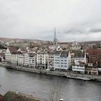 Lindenhof リンデンホフの丘 Zurich チューリヒ Switzerland スイス 石畳みの坂はベビーカーには厳しいけれど、丘の上からは絵に描いたようなヨーロッパの町並みが一望