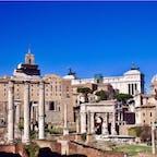 #フォロ・ロマーノ #ローマ #イタリア 2017年2月  #古代ローマ の名残を存分に体感😊💕  「あの石片の装飾が素敵!」って思って近づいたら まさかの自分より大きい😵😵ってくらい規模が大きい!
