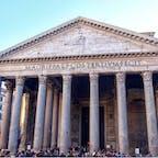#パンテオン #ローマ #イタリア 2017年2月  なんにしても規模が大きい #古代ローマ ...  天井の中心には穴が開いていて日差しが差し込む様子は 神秘的だけど、雨が降ったらどうなるんだろう🤔☂️