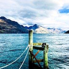 ニュージーランドのクイーンズタウン どこから撮っても綺麗なワカティプ湖