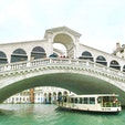 The Rialto Bridge リアルト橋 Venice ベネチア Italy イタリア Grand Canal カナル グランデ にかかる最古の橋 Ponte di Rialto リアルト橋
