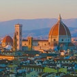 Piazzale Michelangelo ミケランジェロ広場 Firenze フィレンツェ Italy イタリア ドゥオモとオレンジ色の屋根が連なるフィレンツェの町が真っ赤に色付く素晴らしい夕焼け