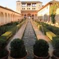 Generalife ヘネラリフェ Granada グラナダ Spain スペイン World Heritage Site 世界遺産 アルハンブラ宮殿に隣接した王族の離宮も装飾たくさんだけど、ちょっと肩の力が抜ける雰囲気