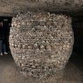 2019.6.8 パリ カタコンブ 約600万人の無縁仏のお骨。 欧米は土葬文化なので人骨を見たことがない方が多く、見にくる方も多いんだとか。