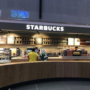 イスタンブール新空港内にあるスタバです。