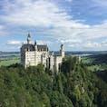 2018年8月ドイツ🇩🇪 ノイシュバンシュタイン城  シンデレラ城のモデルとなったお城。 小さい頃に思っていたお城が本当にあるんだー!って思った瞬間でした♡
