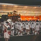 創始1150年目の祇園祭。7/17は前祭の山鉾巡行へ。3機目が来たのは日付が変わる頃でした。  後祭の山鉾巡行は7/24。担ぎ手の方曰く、1150周年なので特別な催しがあるらしい。