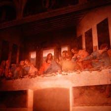 元々修道院の食堂の壁に描かれているので絵が湿気にやられる しかもフレスコ画でなくテンペラという普通の描き方をしたため、剥がれる剥がれる 挙げ句の果てに戦火にもやられて尚、修復を重ね残って今も観れる事に感動する