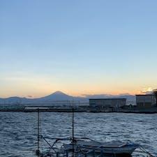 片瀬海岸🏖🌆  夕陽と富士山がとても綺麗でした✨  #海岸 #夕陽 #富士山 #江ノ島