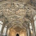オックスフォードにある、ボドリアン図書館 思わず見入ってしまう天井