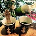 生茶の菓アイスバー😋 マ-ルブランシュ京都タワーサンド店限定🗼です! 生チョコの抹茶風味という感じで、そこに抹茶ソ-スをつけて頂きます。 めちゃ美味い😋😋オススメです😊