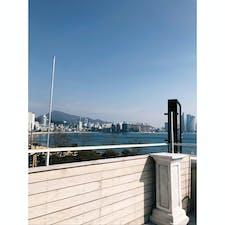 📍釜山 お気に入りのカフェ。広安里のビーチ一望できてお洒落でコーヒーも美味しくって... 嫌なこと全部忘れられる!