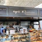 2017年  香港 🇭🇰 agnes b. cafe l.p.g.  香港国際空港店