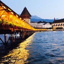 スイス、ルツェルンの夕暮れ カペル橋が、素敵すぎた。