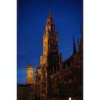夜のマリエン広場 日没は20時位と遅い