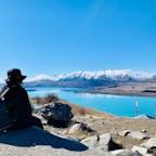 マウントジョン山頂からテカポ湖を眺める