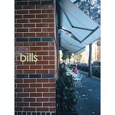 📍シドニー  お洒落な街サリーヒルズに、オーストラリア発祥の世界一の朝食が食べられるBillsがあります。最近大阪にも出来たね!ここのパンケーキ、ほんっと美味しい。日本でも食べられるけど、本場で本店で食べるのもありかも?!