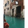 📍イタリア ヴェネツィア 憧れの、水の都、ヴェネチア。夢の中にいるみたいやった。もっともっと、ゆっくり行きたいなーつぎは。ゴンドラは、高くても乗るべきです。あと、ランチをテラス席で食べるべき!笑