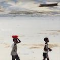 ザンジバル島。ビーチで遊ぶ子供達
