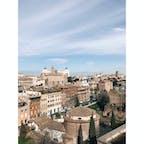 📍イタリア ローマ 歴史が、今もきちんと残されていて、そのなかでひとが生きてるって感じ、、うまく表現できないけど私には不思議でなんかパワーがあって、静かな街。そんな風に感じたローマでした。
