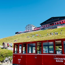 オーストリア シャーフベルク山 登山鉄道に乗って 憧れの サウンドオブミュージックの世界 素晴らしい景色!!