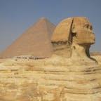 エジプト/スフィンクスとピラミッド 定番の構図です。ピラミッドでは偽ガイドの写真売りに引っかかりました。