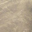 ペルー/ナスカ ハチドリの地上絵です。セスナ機は8の字飛行を繰り返すので酔います。行かれる方は食事前の飛行を祈念申し上げます。