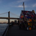 Tom Fruin's Stained Glass House at Brooklyn bridge park ダンボ地区のブルックリンブリッジパーク