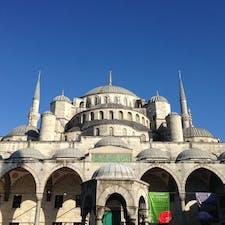 イスタンブールのブルーモスク。