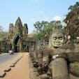 カンボジア/アンコールトム/南大門 ホテル経由でトゥクトゥクを安値でチャーターして行きました。アンコールワットより大きい遺跡だなんて行くまで知りませんでした(笑)。