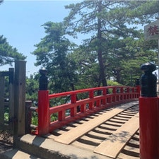 #瑞巌寺五大堂 #松島 #宮城 2019年7月  青い海に赤い橋ほど映えるものはないね😊😊