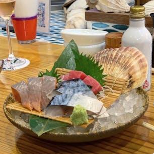 #奥州ろばたセンダイエキ天海 #仙台 #宮城 2019年8月  仙台観光で食べそびれたものは大体ここで食べれます👍 #伊達のぎん #金華しめ鯖 #マグロ いただきました😋😋