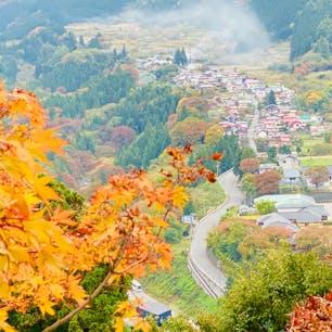 山形 立石寺 一段登るごとに煩悩が消えると言われる階段は1015段! 山頂付近からふもとの集落を望む絶景‼︎