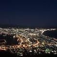 函館山の夜景〜🏙 北海道の地図みたいでとってもインパクトがありました😊 修学旅行以来の20〜年ぶりの夜景✨ きれいやなぁ😌
