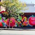 New York / Brooklyn Williamsburg ブルックリンの街中で見かけた「LOVE」のグラフィティアート。NYのアーティスト、Jason Naylorの作品。