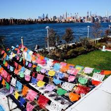 New York / Brooklyn Domino Park ブルックリンの旬のスポット「ドミノパーク」からのマンハッタンの眺め。