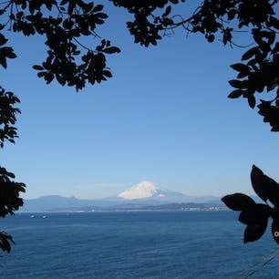 江ノ島からみた富士山