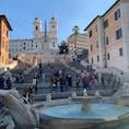 イタリア:ローマ  スペイン広場✨ 階段に座ると罰金らしいですが、 結構座ってる人多かった🤣