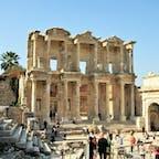 トルコ/エフェソス 思いのほか広い遺跡で、見どころも多く楽しい場所でした。噂通りねこが多い所ですね。