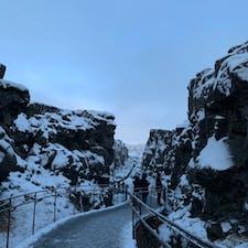 アイスランド🇮🇸 シンクヴェトリル国立公園  ギャオと呼ばれる地球の割れ目です!