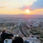 トルコ/カッパドキア/ローズバレー ローズバレーに落ちる夕陽を、日没まで座って見ていました。素敵な時間を過ごせました。