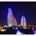 Flametower,Azerbaidzhan🇦🇿 フレームタワーは20時頃ライトアップされてとても綺麗でした✨